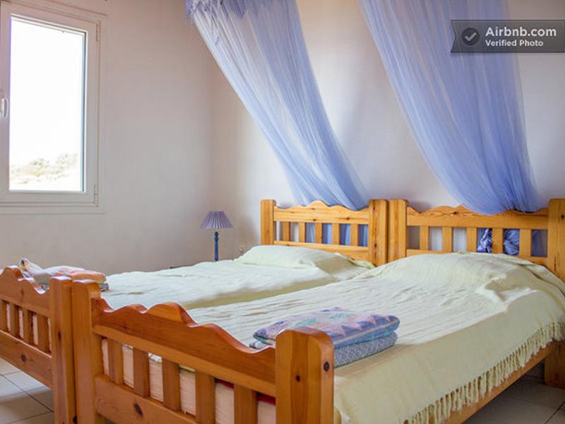 07-Twin-bedded-room.jpg