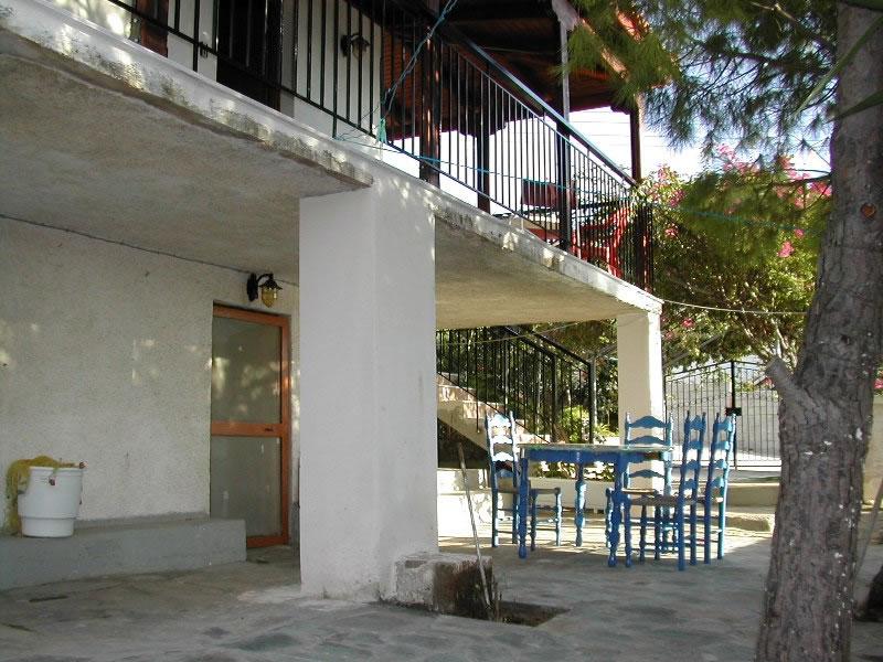 Patio-and-balcony.jpg